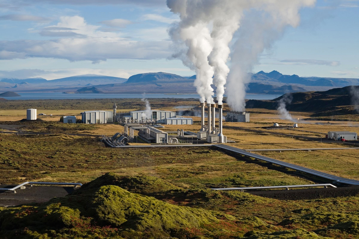 Energy: Iceland Produces 100% Renewable Energy